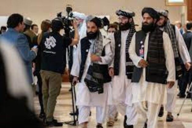 High-stakes talks between Afghan gov't, Taliban as fighting rages