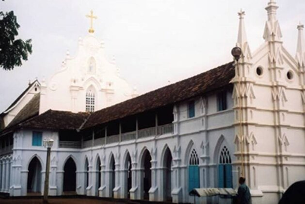 Kerala: Catholic Church diocese announces welfare scheme for families with more than 5 kids.