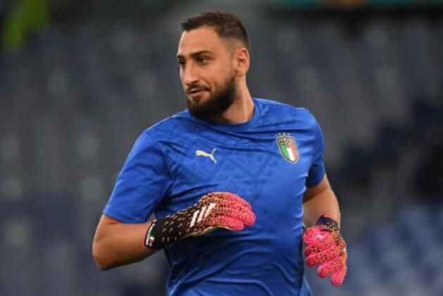 Gianluigi Donnarumma: Italy goalkeeper joins PSG on free transfer
