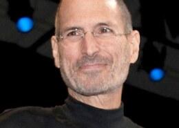 Why did Steve Jobs resign?
