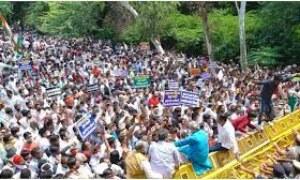 Delhi BJP urges Arvind Kejriwal to reopen weekly markets, compensate traders.